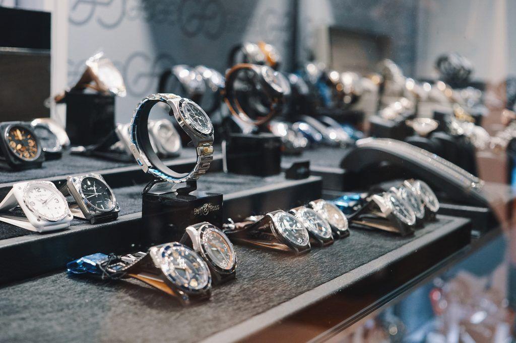 Do Okreslenia Rankingu W Sprzedazy Zegarkow Posluzylem Sie Kilkoma Wytycznymi Pierwsza Rzecz Ktorej Sie Posluzylem Wedding Rings Engagement Rings Engagement