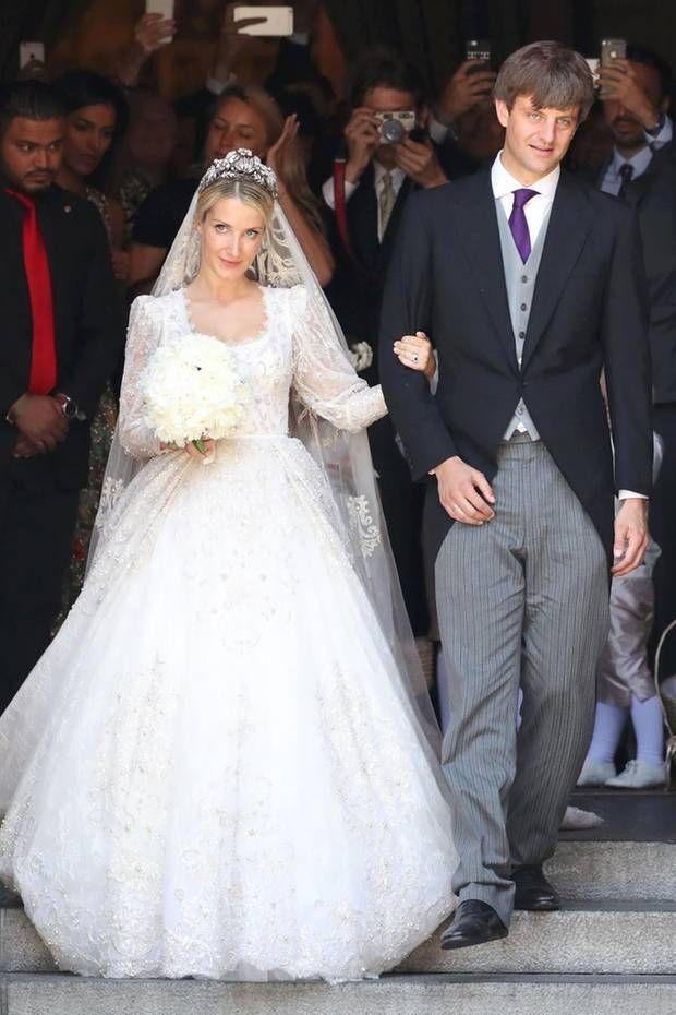 Prinz Ernst August Jr Und Seine Ekaterina Sagen Ja Famous Wedding Dresses Royal Wedding Gowns Royal Wedding Dress