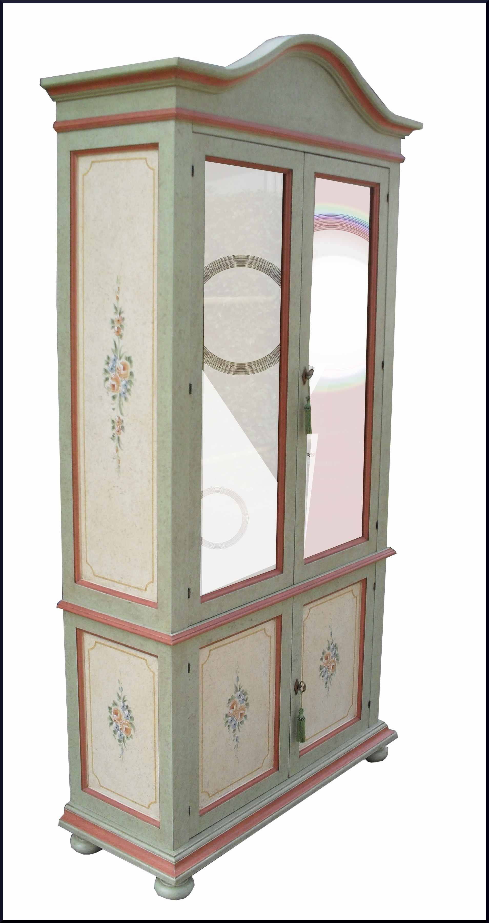 Particolare argentiera in stile provenzale dipinta e decorata con ...