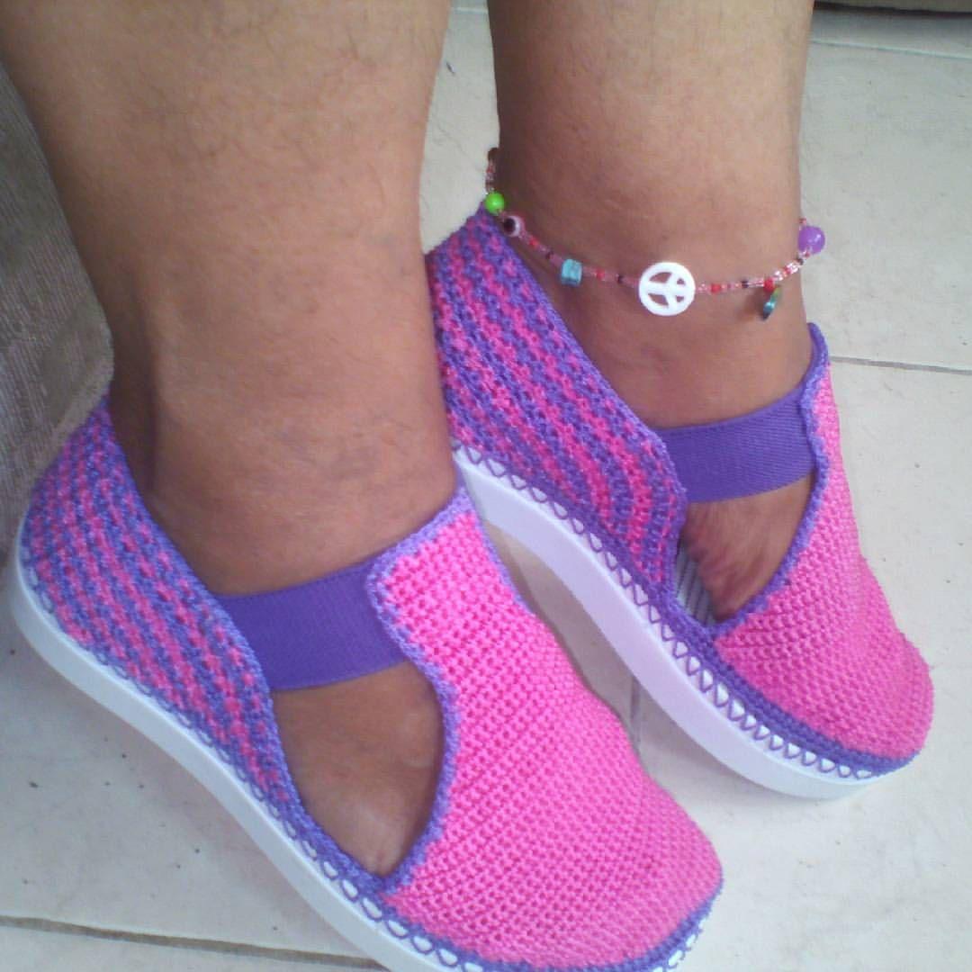 Zapatos tejidos en crochet.  Hecho totalmente a mano 👐💕 #crochetfashions#crochet#tejeresmiterapia#te - patyartesanal