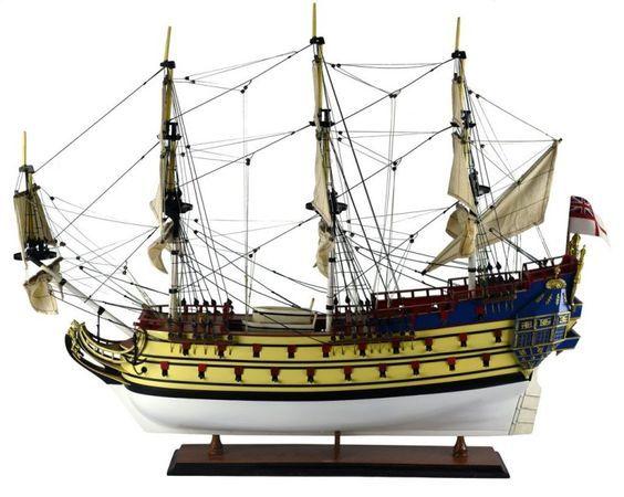 """Maquette du bateau """"La Licorne"""", en plusieurs essences de bois laqué (75 cm x 90 cm) - Drouot"""