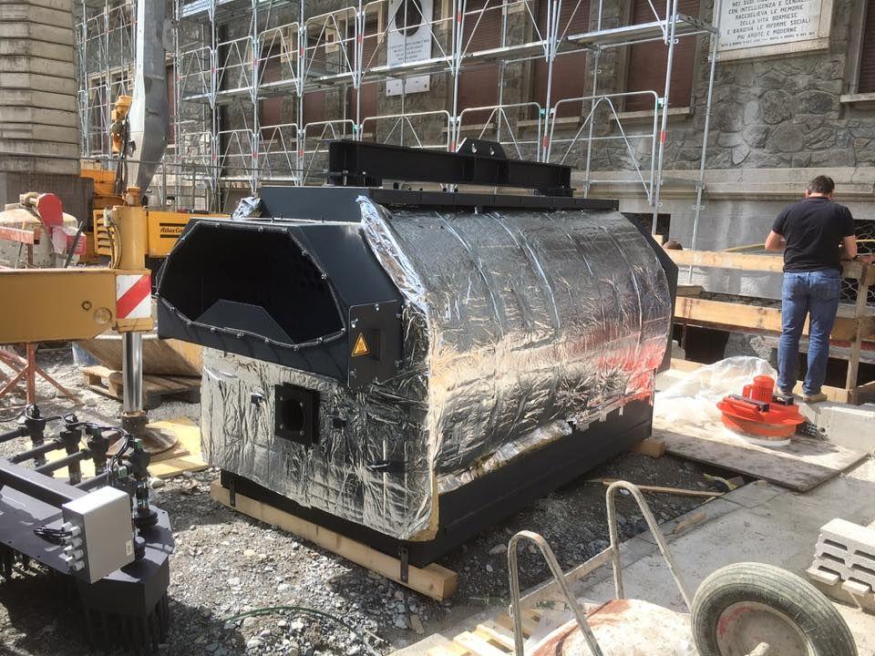 Proseguono i lavori presso il cantiere delle #ScuoleElementari di #Bormio con il posizionamento della caldaia a #Biomassa Viessmann