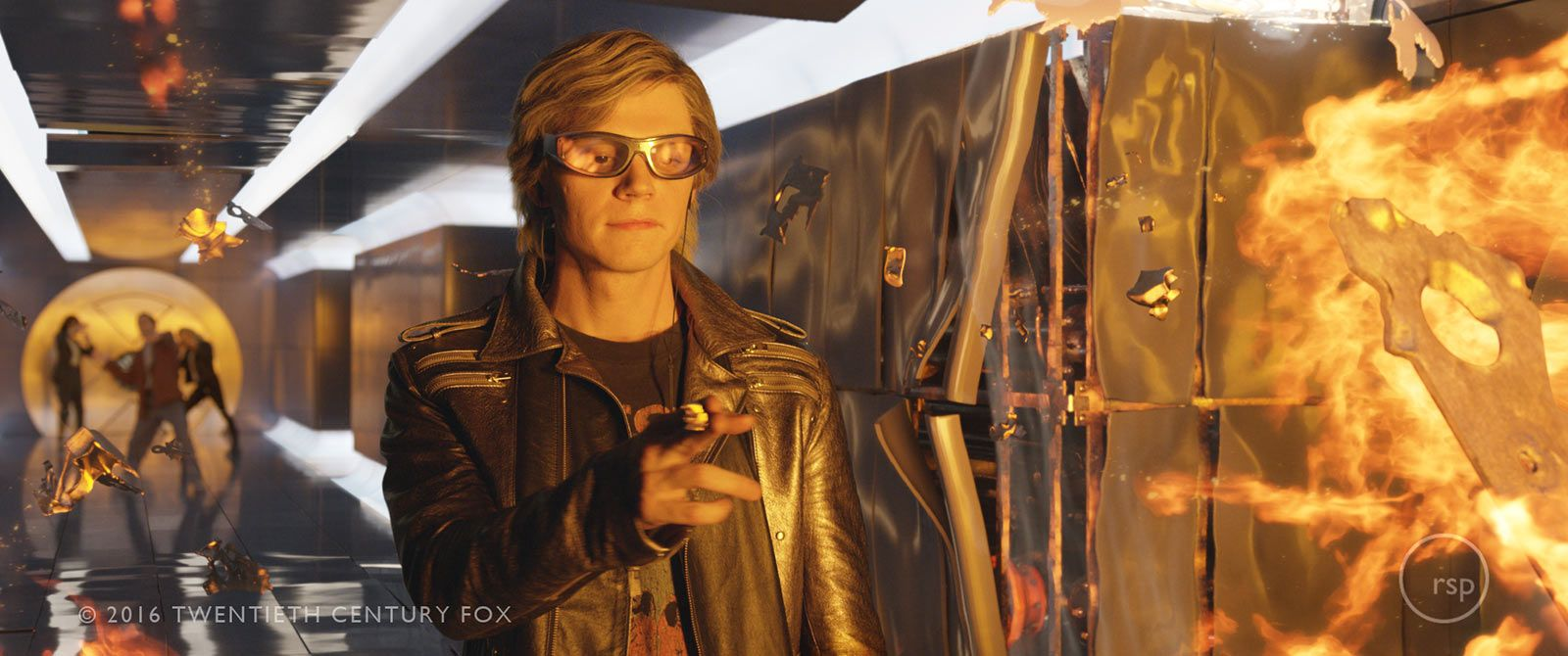 How They Made That X Men Apocalypse Scene Everyone Is Talking About X Men Evan Peters Quicksilver Xmen