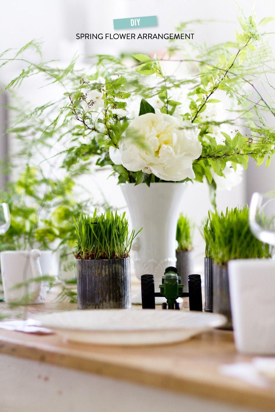 #diy, #centerpiece, #floral-arrangement, #spring  Photography: Rikki Snyder - rikkisnyder.com  Read More: http://www.stylemepretty.com/living/2014/03/27/mint-melon-salad/