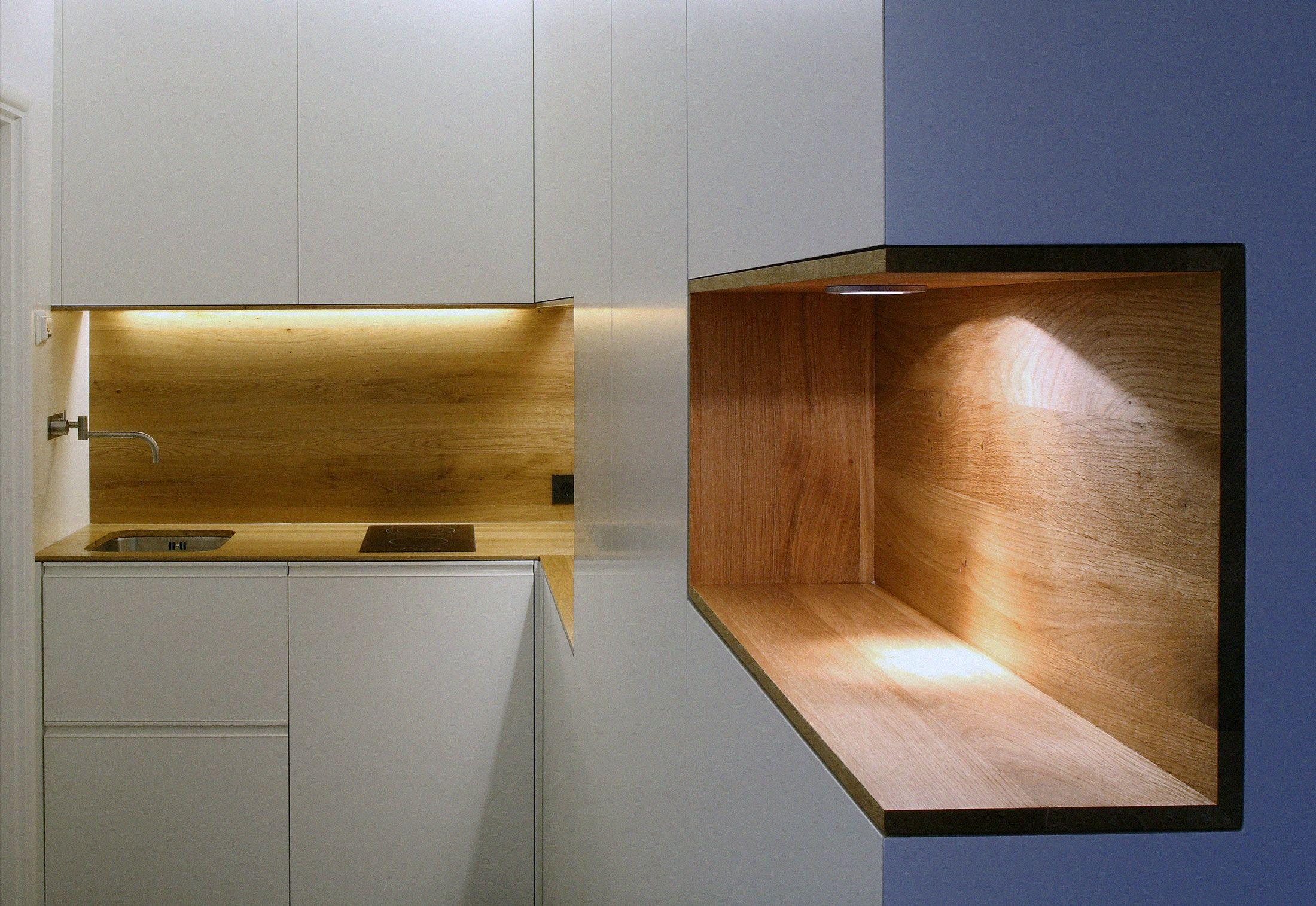 Nice kitchen cabinet detail!