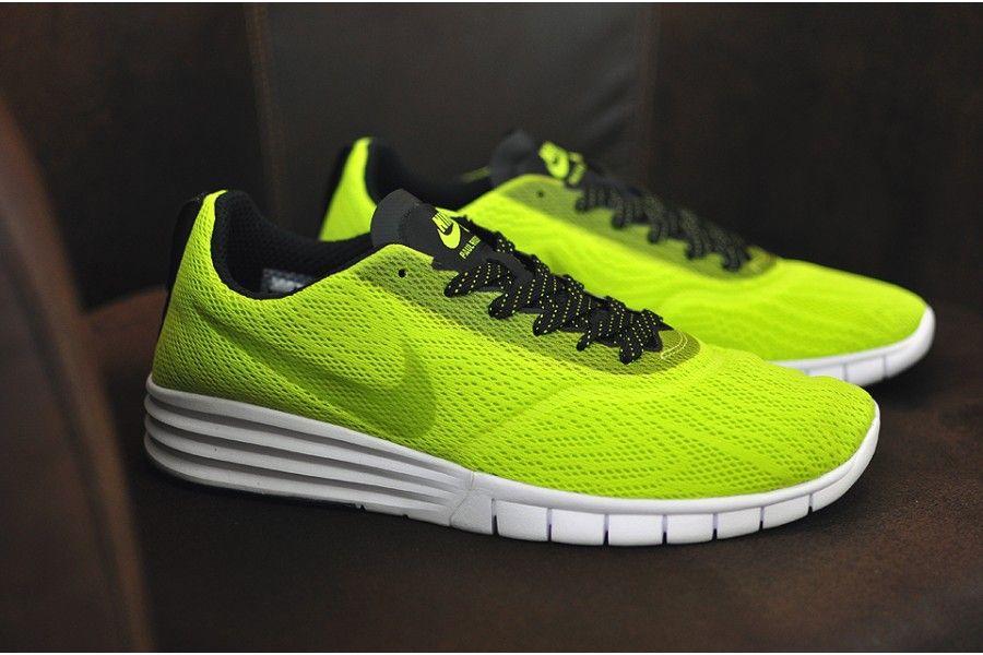 Nike Paul Rodriguez 9 R/R, Cyber/Black-White - Insitu -