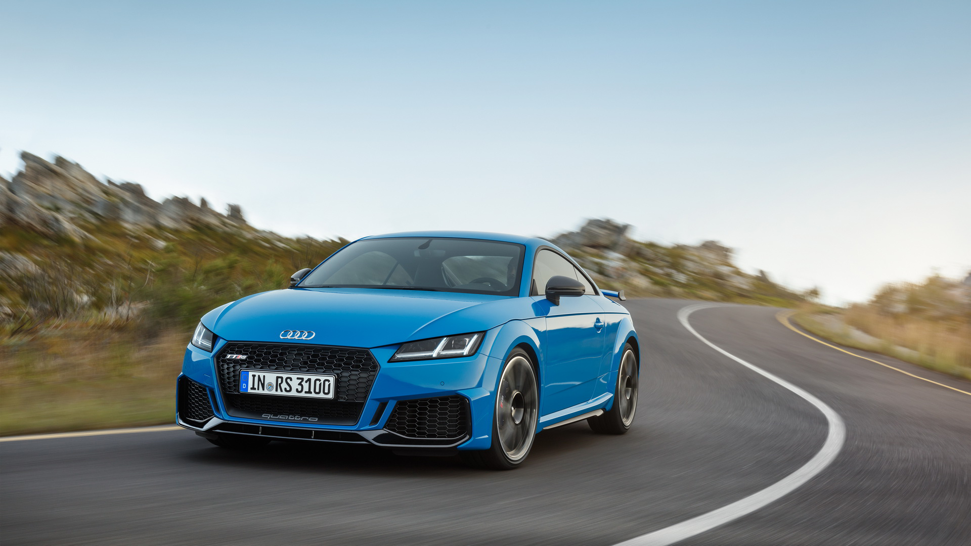 2019 Audi Tt Rs Facelift Arrives In The U S Priced From 67 895 Carmojo With A 0 60mph In 3 6 Seconds The Near 400hp Audi Tt Rs Is O Audi Tt Audi Coupe