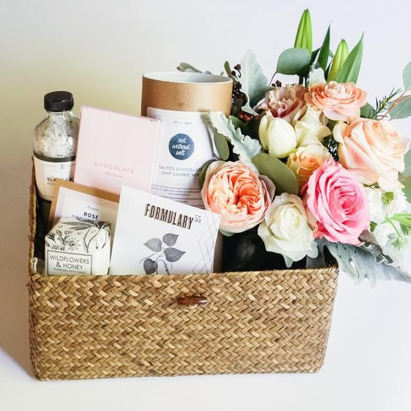 Gift Boxes In Keepsake Wooden Curated Gifts With Flowers Or Airplants Delivered To Your Door