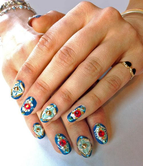 One Of The Better Jeweled Nail Art Looks Ive Seen Hair Beauty