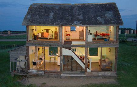 Canadian artist Heather Benning transformed old abandoned farmhouse in Manitoba into a life-size dollhouse for real people.      The side wall was completely removed and replaced with transparent plexiglass. Then, the house was decorated with furniture from 1960s.