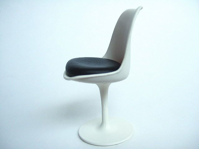7 Midcentury Modern Brands to Find at Estate Sales | The Goods Knoll Tulip Chair designed by Eero Saarinen