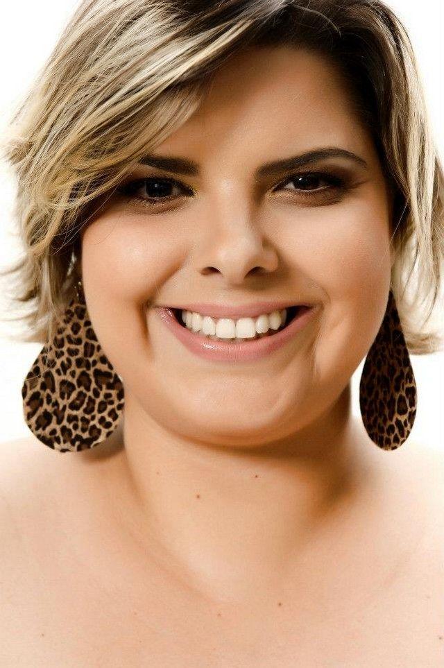 Short Hairstyles For Fat Round Faces Hair And Color In 2018