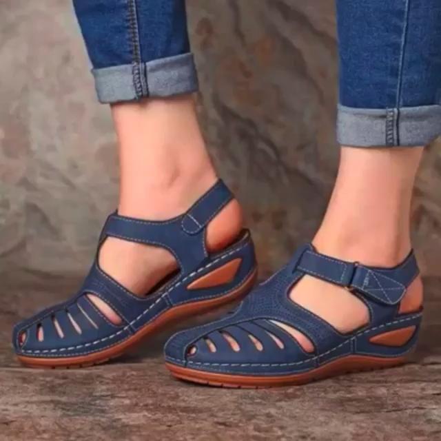 Ortho Fit Oddychajace Sandaly Ortopedyczne Na Niskie Obcasy Z Funkcja Korekcji Video In 2020 Womens Summer Shoes Womens Sandals Summer Sandals Heels