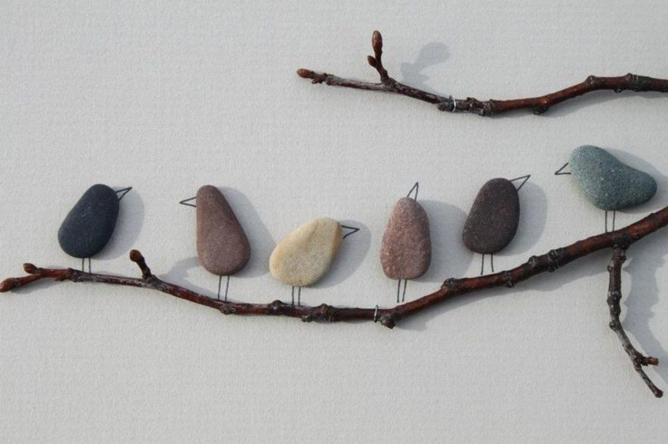 I Love These Adorable Birds On A Branch Made From Smooth Stones Or Pebbles Such A Fun Piece Of Garden Art Or A Fun Nature Act Pebble Art Rock Crafts Stone