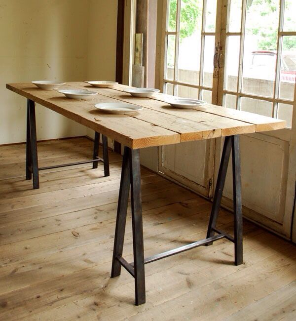 Sawhorse Table So Many Leg Ideas