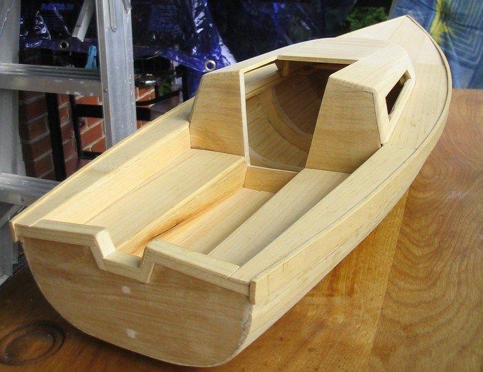 bateau rc en bois comment construire une maquette de voilier en bois projets essayer. Black Bedroom Furniture Sets. Home Design Ideas