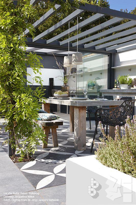 Binnen buitentuin met vtwonen buitentegels buitenkeuken ontwerp jacqueline volker http www - Ideeen buitentuin ...