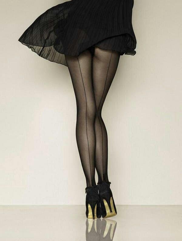 nn-pantyhose-fashion-model-shemale-julia