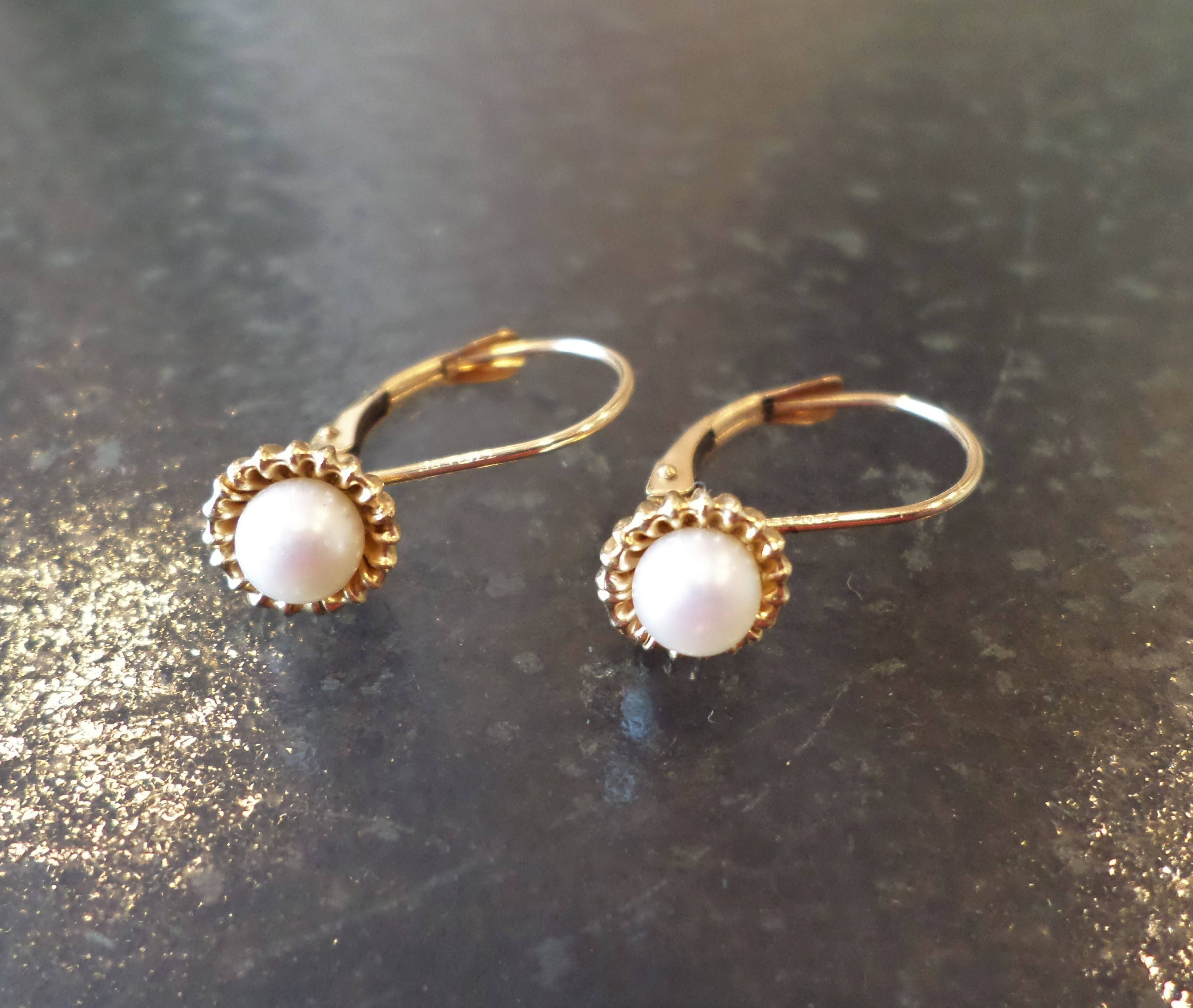 14k 585 Stamped Zz Signed Freshwater Pearls 1 Grams Earrings By