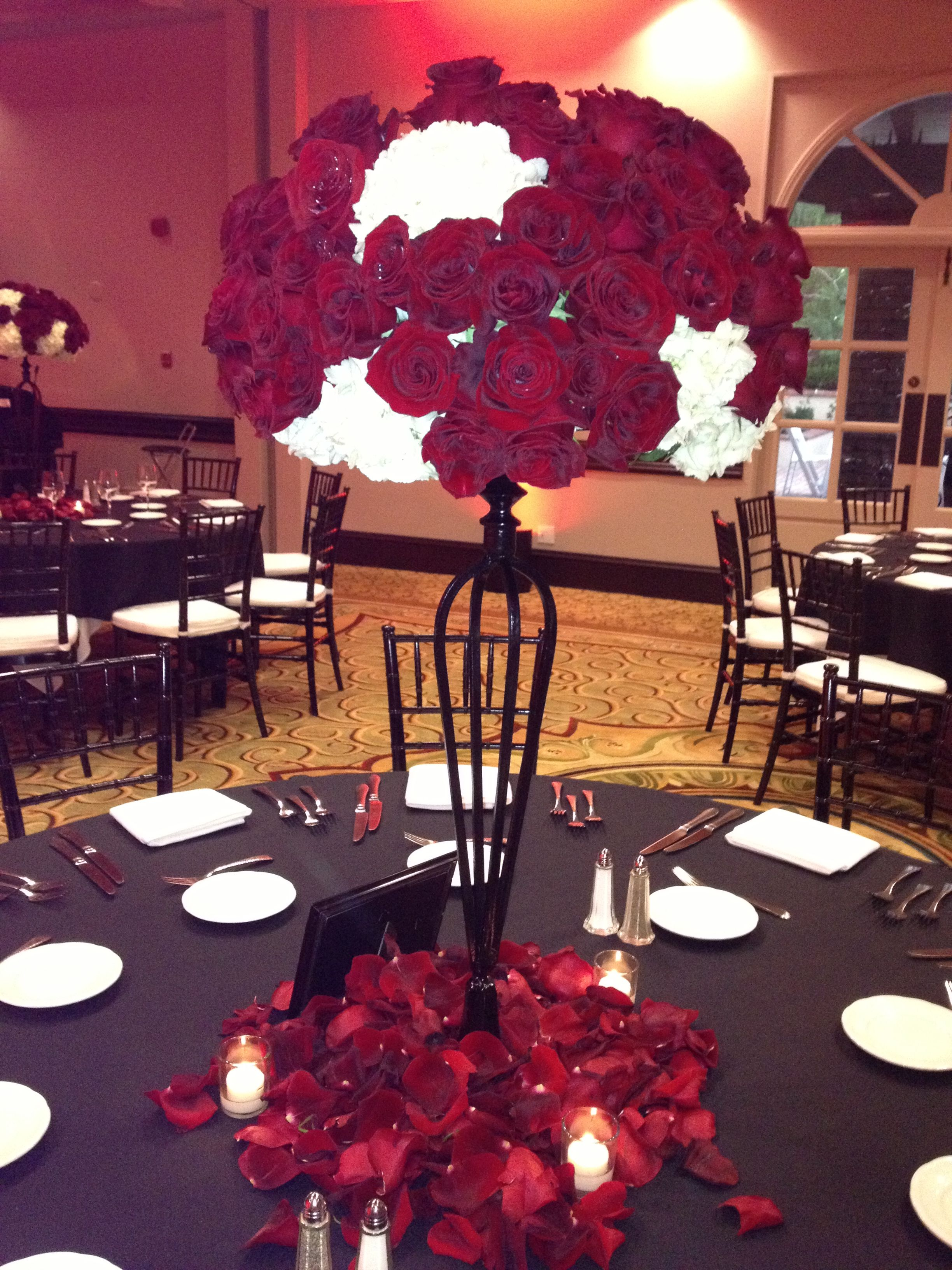 Red, black and white wedding centerpieces by Nancy Stevens ...