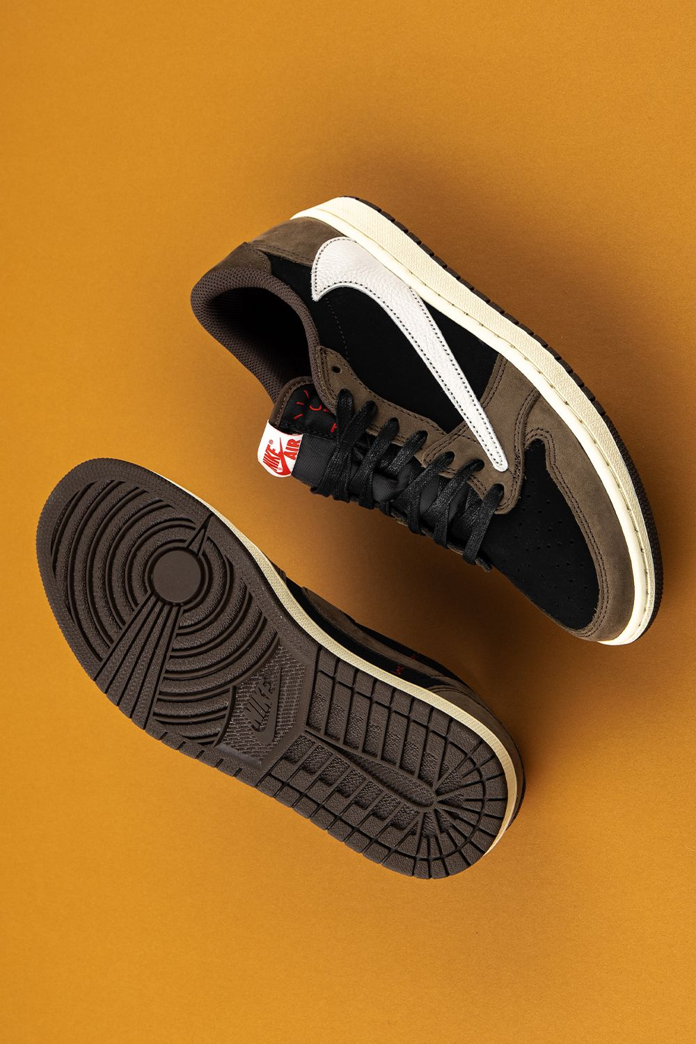 Air Jordan 1 Low Travis Scott Cq4277 001 2019 With Images