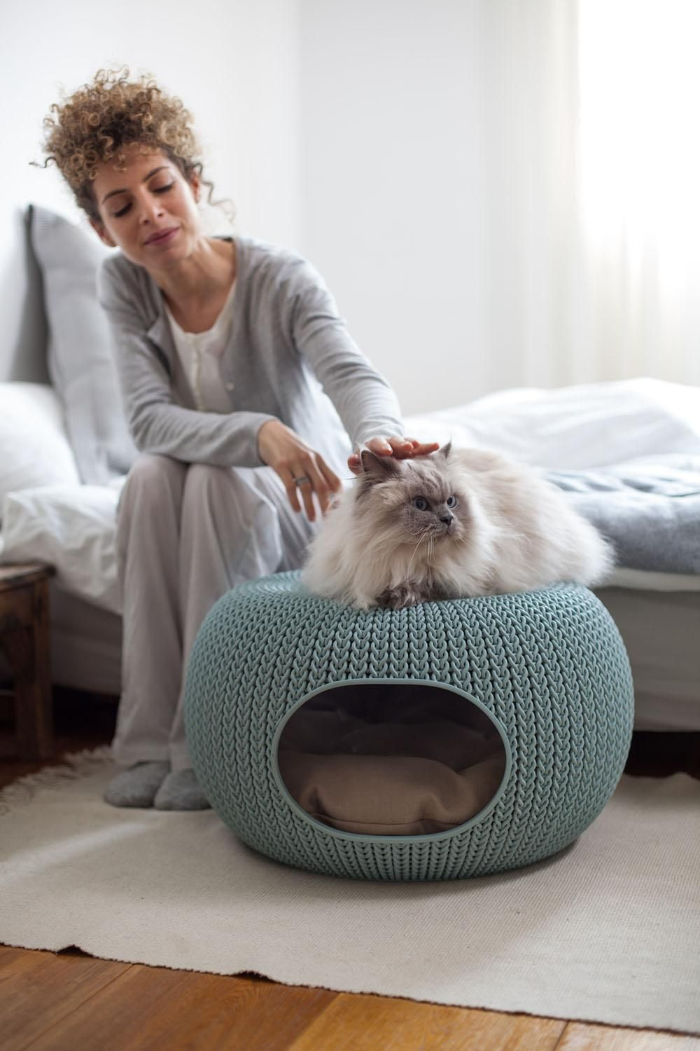 Keter knit resin pet cozie plastic bed for dogs and cats
