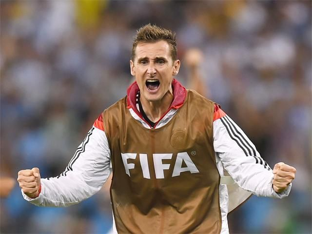Miroslav Klose Is Now The Joint Top Scorer In World Cup History With 15 Miroslav Klose Germany Football Team World Cup