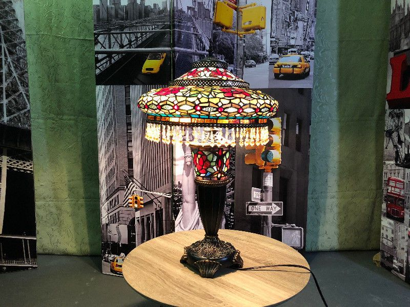 TIFFANY STYLE DOUBLE LIT TABLE LAMP PARISIAN MNX Other - Lit double kijiji