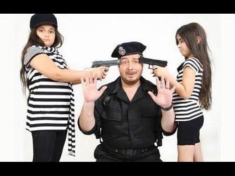 صور مسربة لعائلة احمد زاهر وزوجته وبناته بعد ما كبروا واصبحوا انثات وشوف Women Striped Top Striped