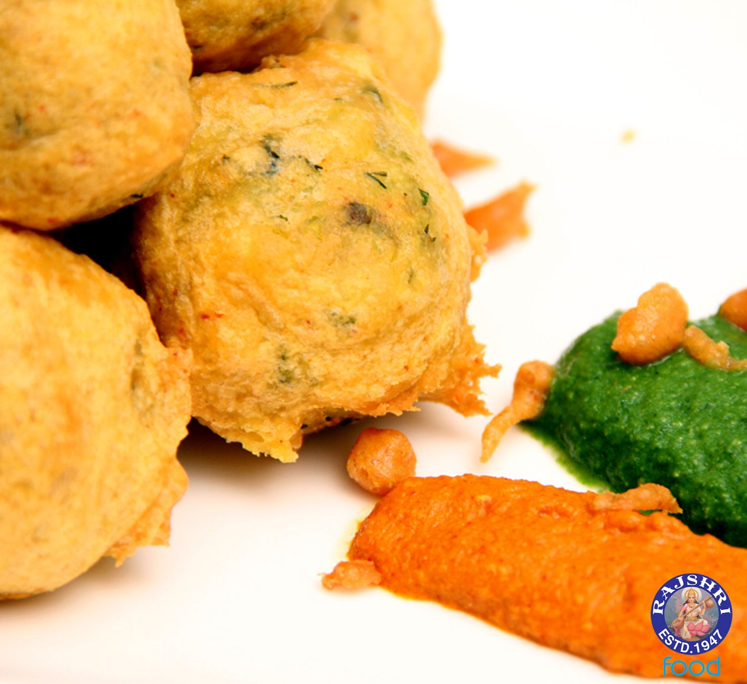 Batata vada potato dumplings indian vegetarian recipe by ruchi food forumfinder Gallery