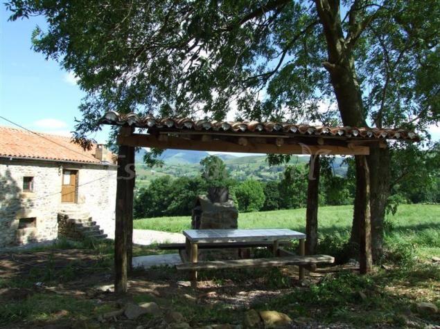Fotos De Vivienda Rural La Casa De La Pradera Casa Rural En Selaya Cantabria Http Www Escapadarural Vivienda Rural Casas Rurales Casas Rurales Cantabria