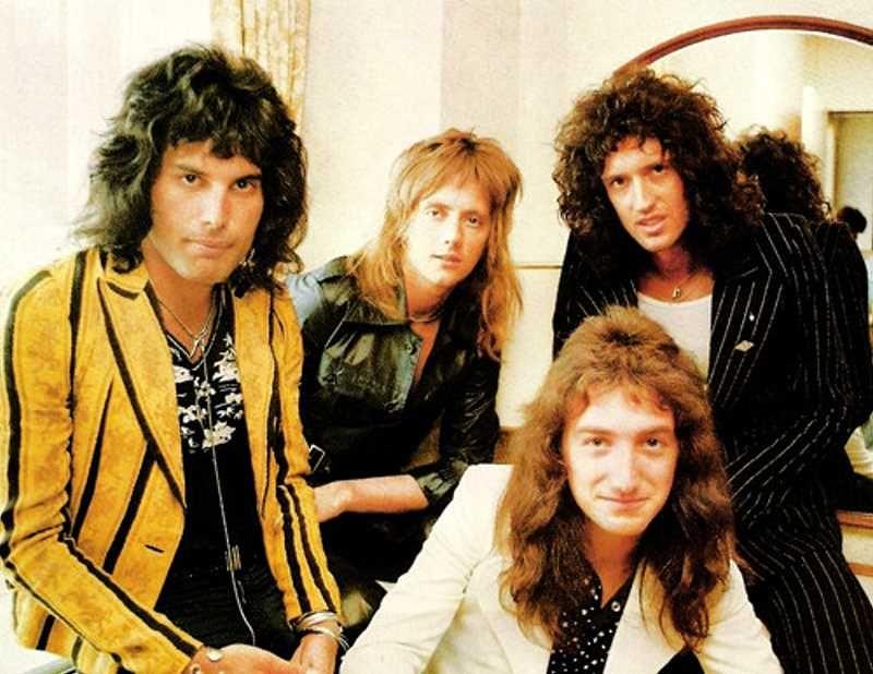 Resultado de imagen para queen band 1975 recording