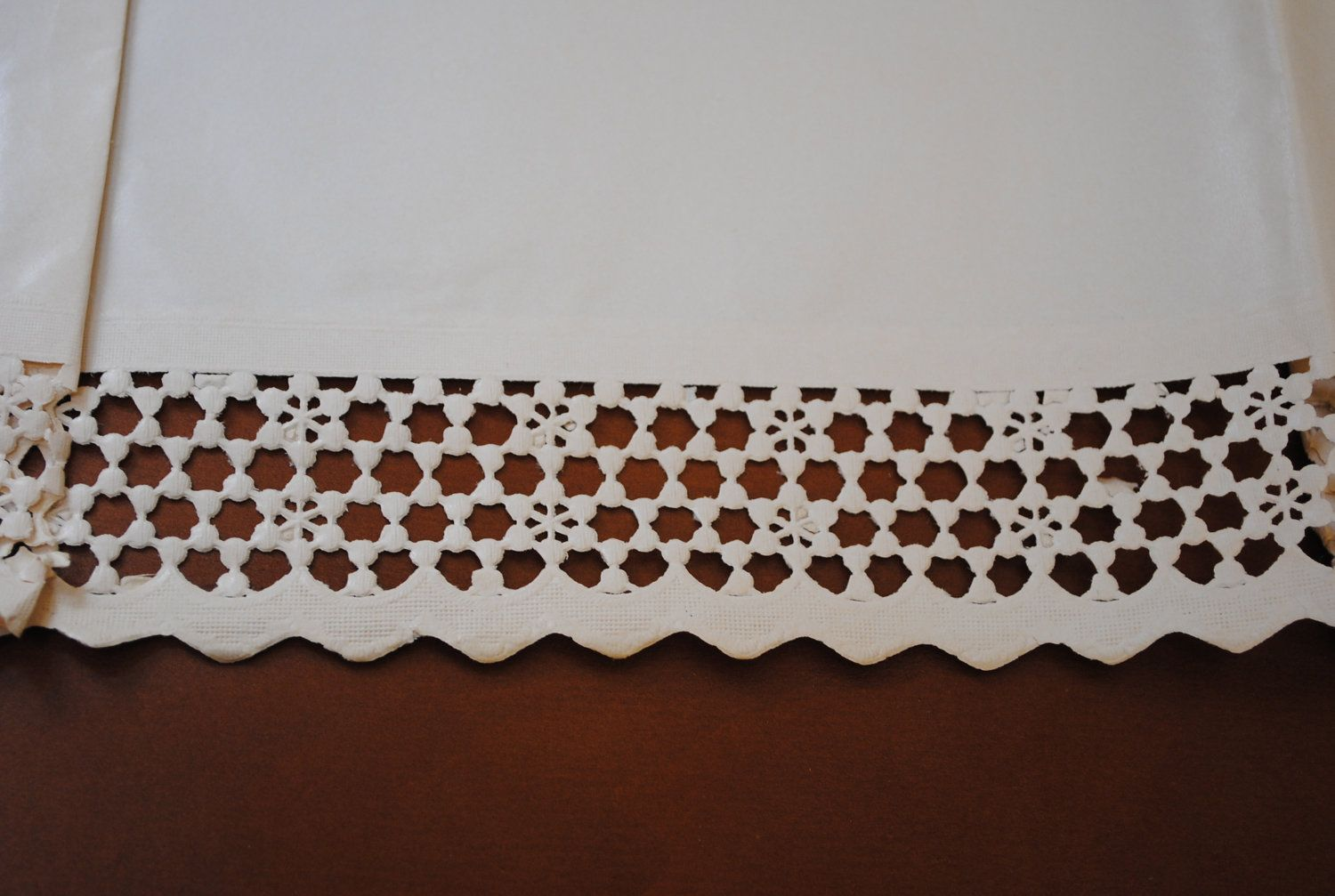 Vintage Royalcraft Shelf Paper With Fold Down Lace Look