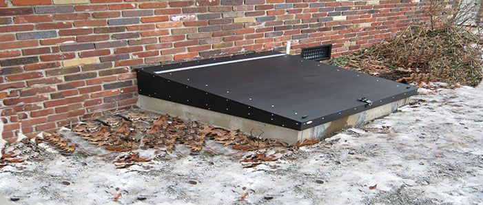 Merveilleux Sloped Crawl Space Cover