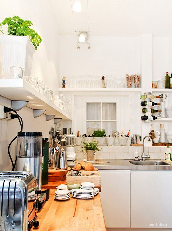 Photo from the Finnish magazine Avotakka for-the-home kitchen