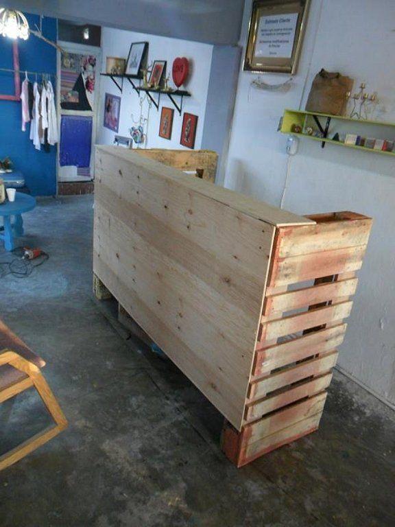 Mostrador mostradores store interiors pallet counter for Muebles para ropa