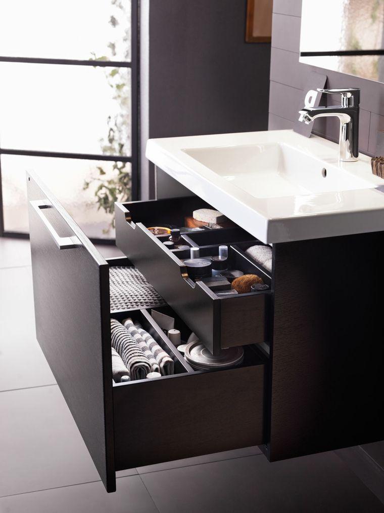 Come arredare un bagno moderno con mobile lavabo di legno e due ...