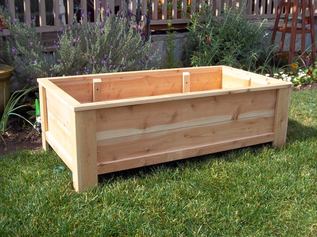 Planter box made from pallets THINGS I HAVE MADE Pinterest