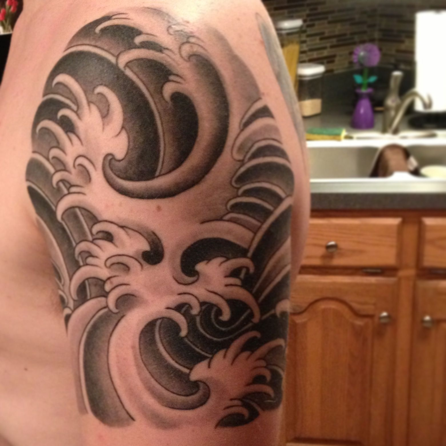 japanese waves tattoos pinterest japanese waves tattoo and tatting. Black Bedroom Furniture Sets. Home Design Ideas