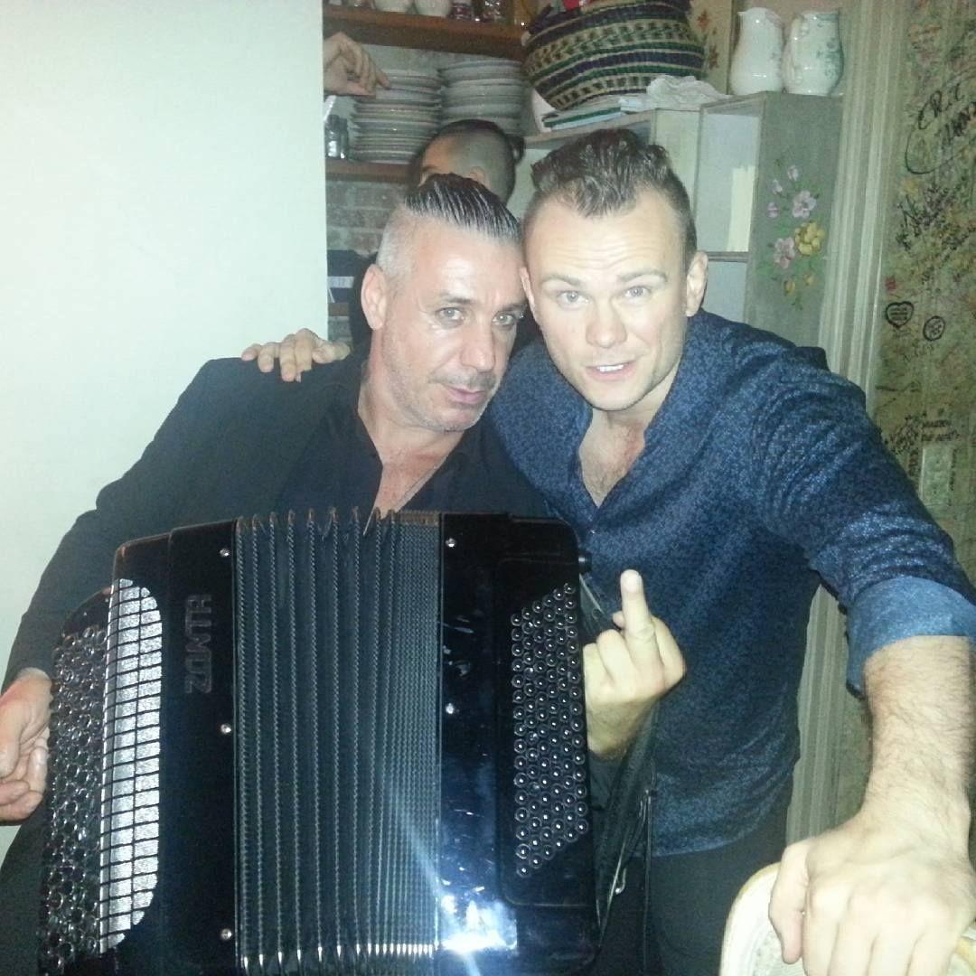Lindemann baby till Till Lindemann