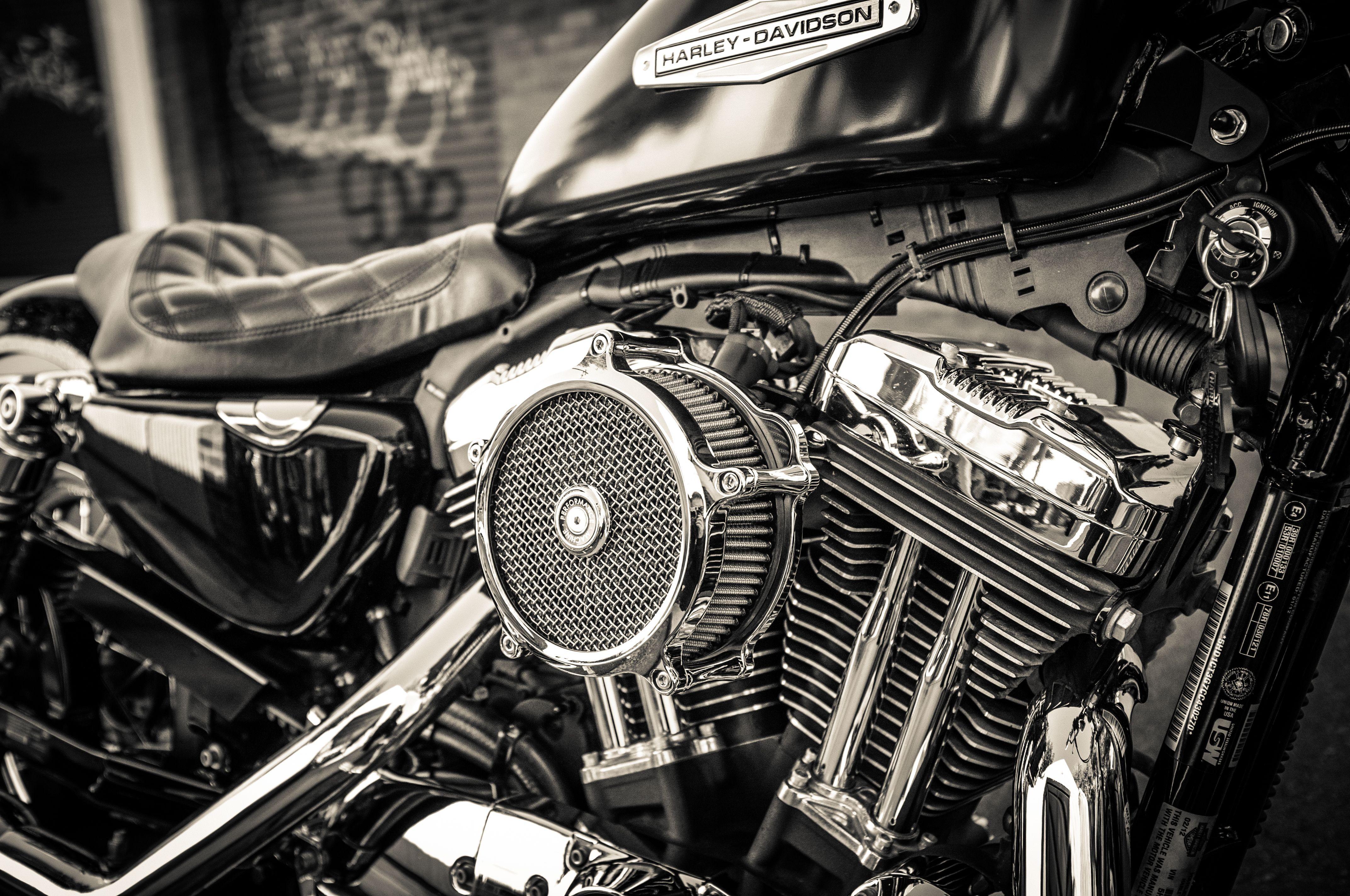 12' HarleyDavidson Sportster XL1200C Build 14' Part 2