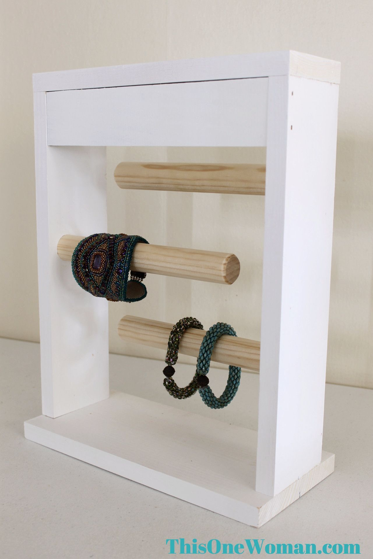 White Jewelry Display Bracelet Stand   Marktstand   Pinterest ...