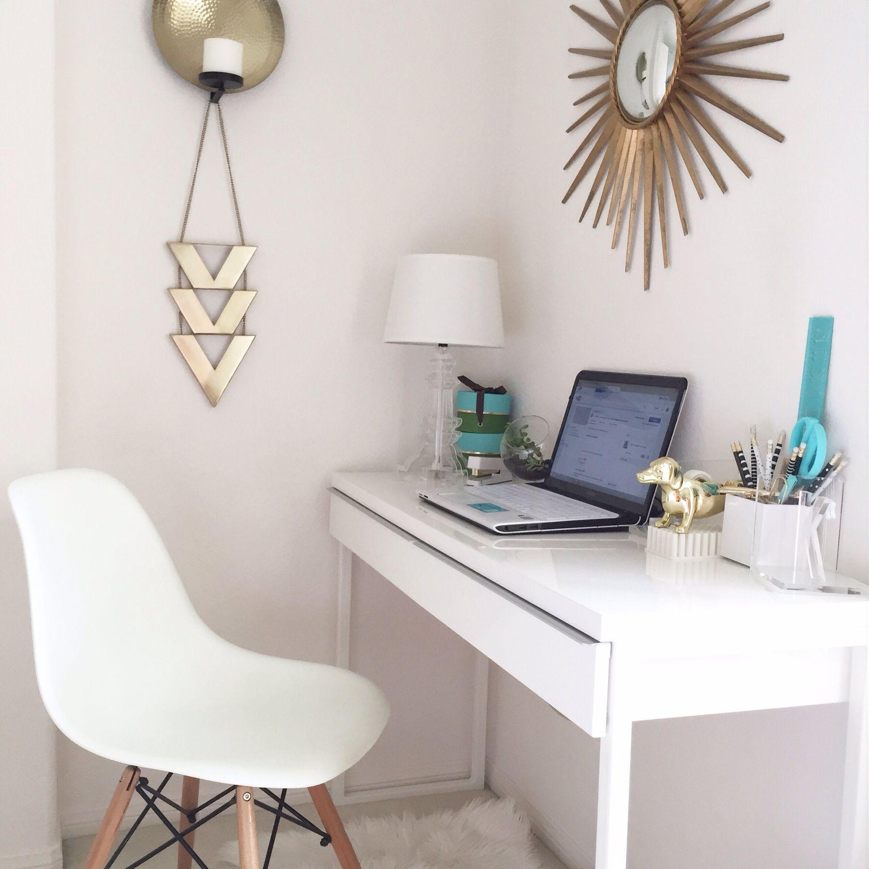 My Desk Style Ikea Besta Burs Eames Style Chair Apartment  # Meuble Tv Ikea Besta Burs Noir