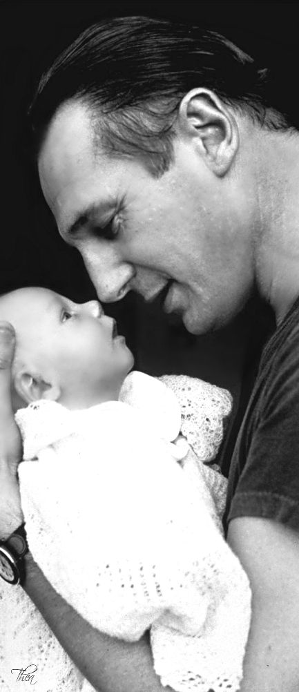 Father and his child   Love this   so sweet    L Loe