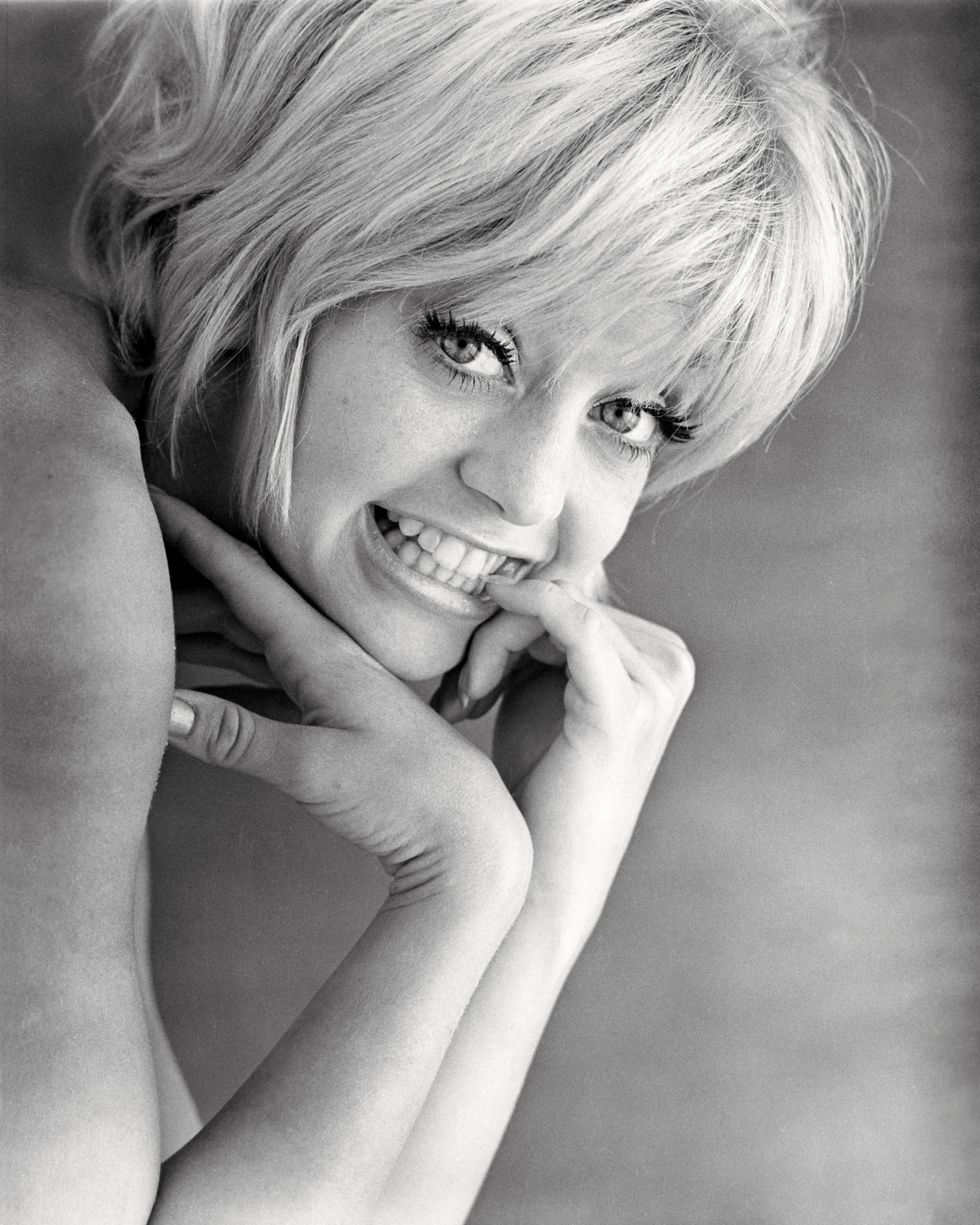 Rare Photos of Goldie Hawn When She Was a Young Woman