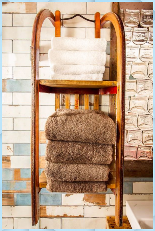 Hotel Alles Paletti Im Erlebnis Dorf Rovershagen Badezimmer Deko Ideen Alles Badezimmer Deko Ideen Ikea Erl In 2020 Upcycling Regal Regale Furs Badezimmer Regal