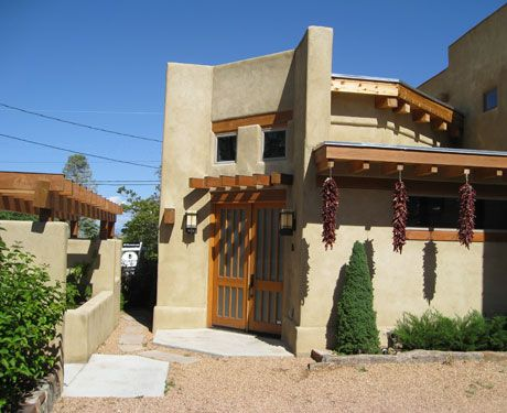 The Best Accommodations For Group Vacations Seeing Design Mexican Style Homes Clay Houses New Mexico Homes