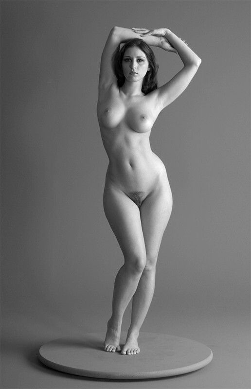 nude women models I see some fantastic, stunning images of female nudes  on photo.net.