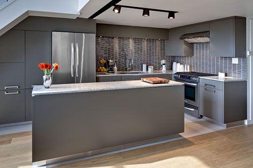 Grijze keuken interieur inrichting keuken kitchen design