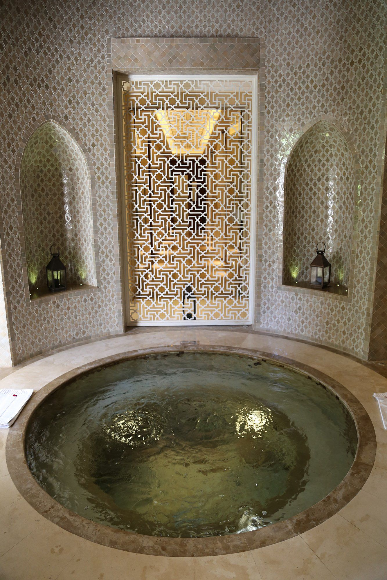 How To Experience A Hammam In Marrakech Like A Local Hammam Maison Salle De Bains Orientale Decoration Interieure Luxe